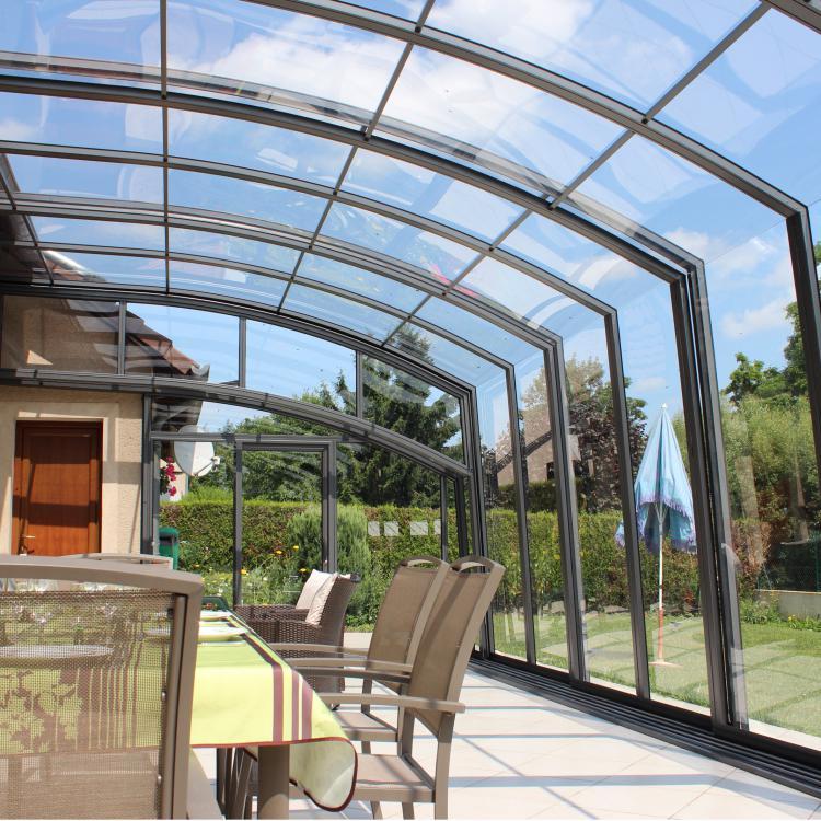 abri de terrasse r tractable topaz en forme de v randa et vitrage vertical en verre. Black Bedroom Furniture Sets. Home Design Ideas